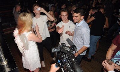 Supplying water on the dancefloor